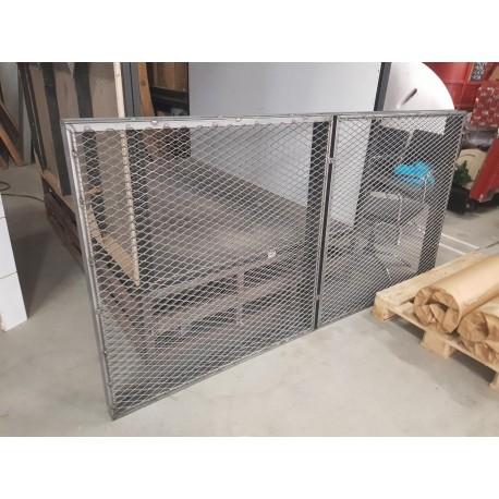 Grille avec cadre en acier