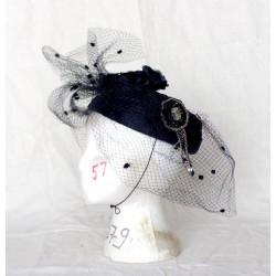 Chapeau noir de cérémonie