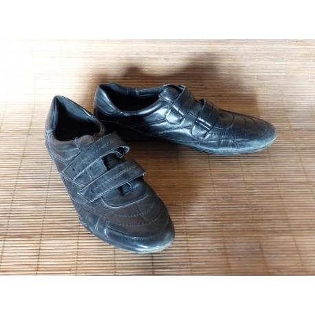 Chaussure sport en cuir